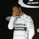 Lewis Hamilton emocionado tras ganar el Mundial de Fórmula Uno 2014