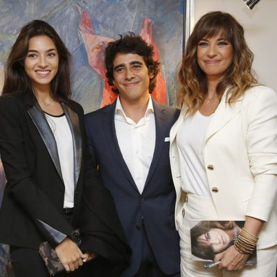 Mariló Montero con sus hijos Rocío y Alberto en la presentación de su libro