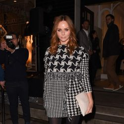 Stella McCartney en el encendido de las luces de Navidad de su tienda de Londres