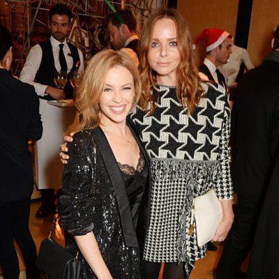 Stella McCartney con Kylie Minogue en el encendido de las luces de Navidad de su tienda de Londres