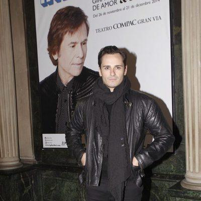 Asier Etxeandía en el concierto de Raphael en Madrid