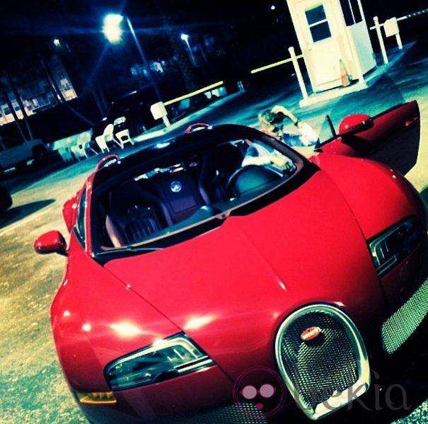 Justin Bieber presume de coche en las redes sociales