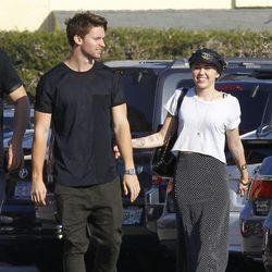 Miley Cyrus y Patrick Schwarzenegger en Malibú