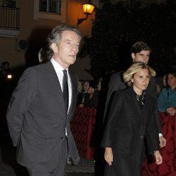 Alfonso Díez y Eugenia Martínez de Irujo en la misa en memoria de la Duquesa de Alba en Sevilla