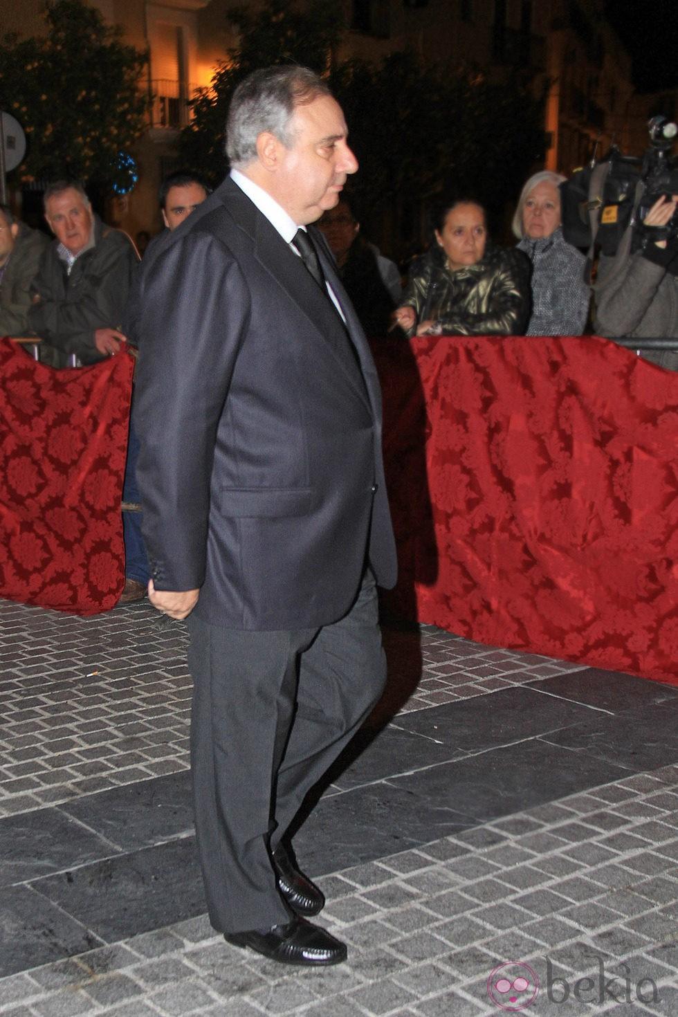 Fernando Martínez de Irujo en la misa en memoria de la Duquesa de Alba en Sevilla