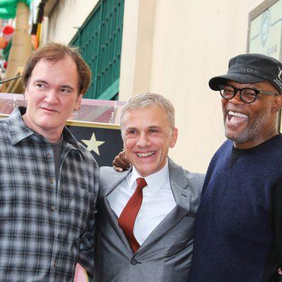 Christoph Waltz recibe su estrella en el Paseo de la Fama de Hollywood acompañado por Quentin Tarantino y Samuel L. Jackson