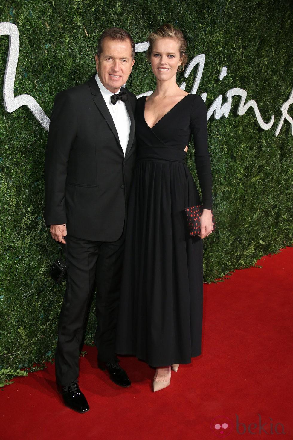 Mario Testino y Eva Herzigova acuden a los 'British Fashion Awards 2014' en Londres