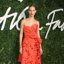 Karolina Kurkova acude a los 'British Fashion Awards 2014' en Londres