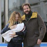 Blanca Cuesta no quita ojo a Kala, la primera niña del matrimonio Thyssen