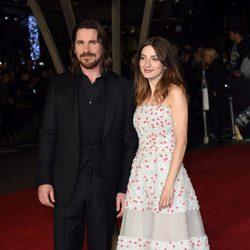 Christian Bale y Maria Valverde en el estreno mundial de 'Exodus' celebrado en Londres