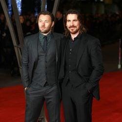 Joel Edgerton y Christian Bale en el estreno mundial de 'Exodus' celebrado en Londres