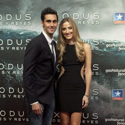 Álvaro Arbeloa y Carlota Ruiz en el estreno de 'Exodus' en Madrid