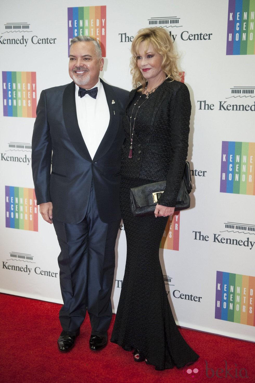 Melanie Griffith y Henry Munoz en la entrega del Premio Kennedy 2014