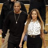 Jay-Z y Beyoncé en un partido de la NBA en Nueva York con los Duques de Cambridge
