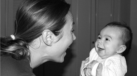 Stacy Keibler presenta a su hija Ava Grace