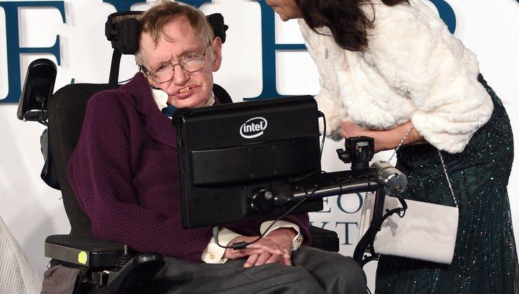 Stephen Hawking y Jane Wilde en el estreno de 'La Teoría del Todo'