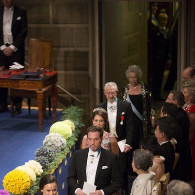 Carlos Felipe de Suecia, Sofia Hellqvist, Magdalena de Suecia y Chris O'Neill en los Nobel 2014