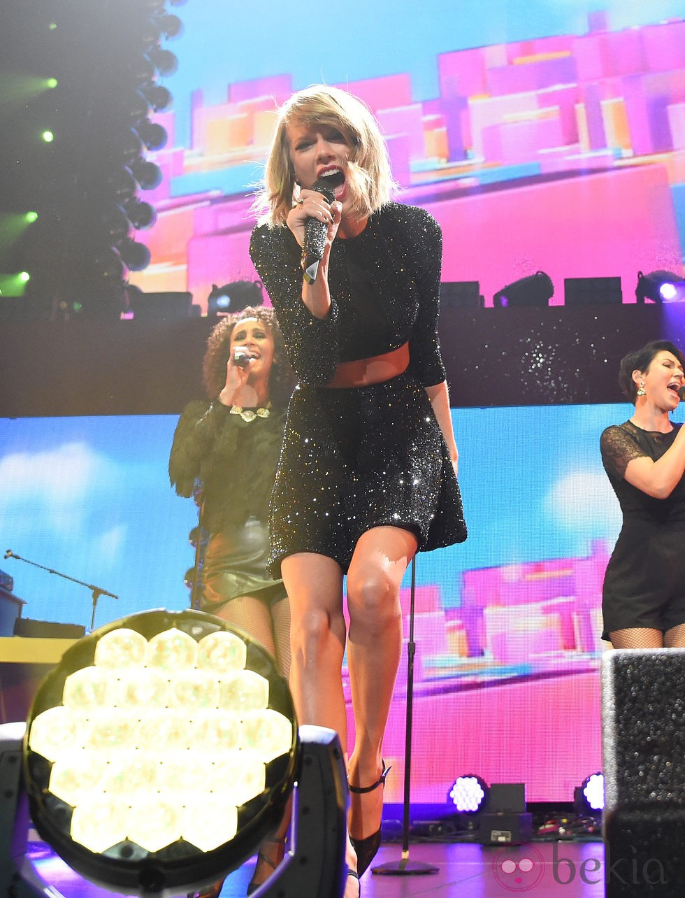 Taylor Swift en los 'KIIS FM's Jingle Ball' de Los Ángeles