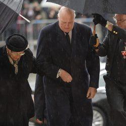 Astrid y Harald de Noruega en el funeral de Fabiola de Bélgica
