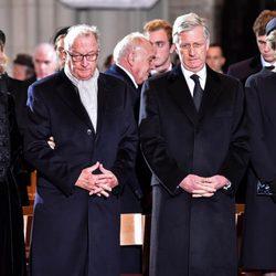 Los Reyes Alberto y Paola y los Reyes Felipe de Matilde de Bélgica en el funeral de la Reina Fabiola