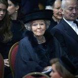 Beatriz de Holanda en el funeral de Fabiola de Bélgica