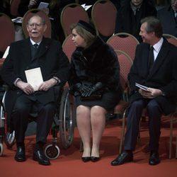 El Gran Duque Juan y los Grandes Duques de Luxemburgo en el funeral de Fabiola de Bélgica