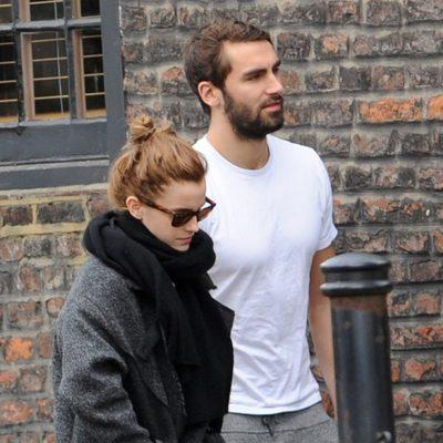 Emma Watson y su novio Matthew Janney pasean por Londres