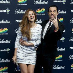 Elena Ballesteros y Dani Mateo en los Premios 40 Principales 2014