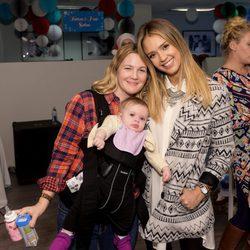 Jessica Alba y Drew Barrymore en el evento 'Baby2Baby'