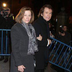 Natalia Figueroa y Raphael en el funeral de la Duquesa de Alba en Madrid