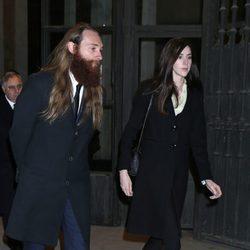 Brianda Fitz-James Stuart y Falkwyn de Goyeneche en el funeral de la Duquesa de Alba en Madrid