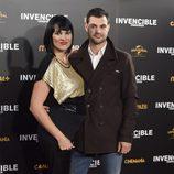 Irene Villa y Juan Pablo Lauro en el estreno de 'Invencible' en Madrid