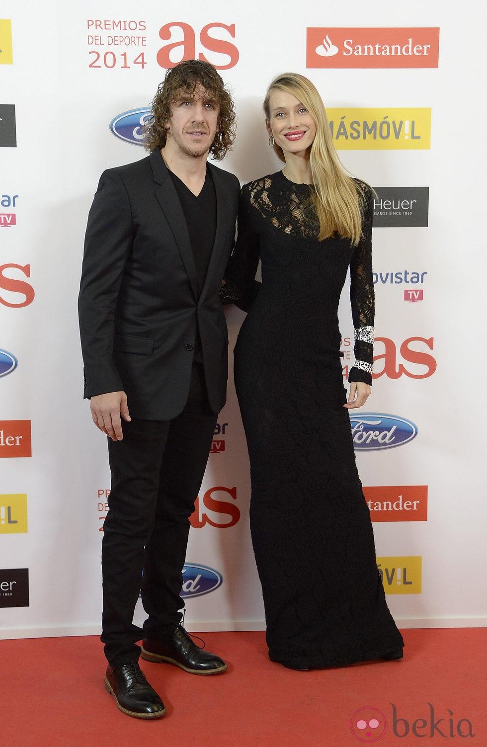 Carles Puyol y Vanesa Lorenzo en la entrega de los Premios As 2014