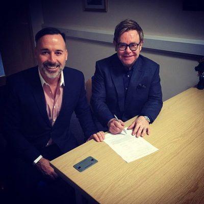 Elton John y David Furnish formalizan su matrimonio en Windsor