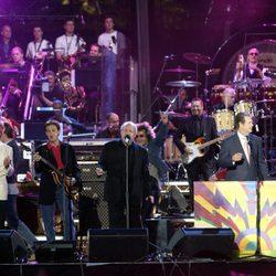 Rod Stewart, Paul McCartney, Joe Cocker, Brian Wilson, Brian May y Eric Clapton