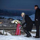 Los Príncipes Haakon y Mette-Marit de Noruega rinden homenaje a las víctimas del tsunami de Tailandia