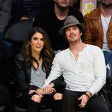 Ian Somerhalder y Nikki Reed, muy cariñosos en un partido de la NBA