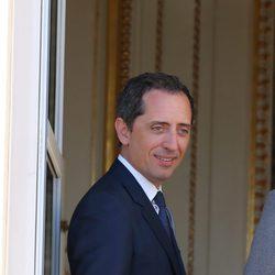 Gad Elmaleh en la presentación oficial de los mellizos Jacques y Gabriella