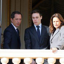 Gad Elmaleh, Louis Ducruet y Estefanía de Mónaco en la presentación de los mellizos Jacques y Gabriella