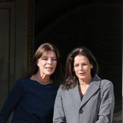 Las Príncesas Estefanía y Carolina de Mónaco en la presentación de los mellizos Jacques y Gabriella