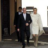 Los Príncipes Alberto y Charlene de Mónaco tras la presentación de sus mellizos Jacques y Gabriella
