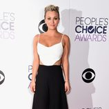 Kaley Cuoco en los People's Choice Awards 2015