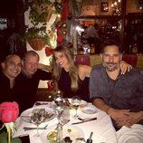 Sofia Vergara y Joe Manganiello salen a comer junto a unos amigos