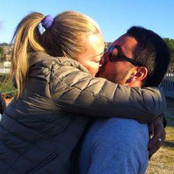 Belén Esteban se besa con su novio Miguel antes de entrar en 'Gran Hermano VIP'