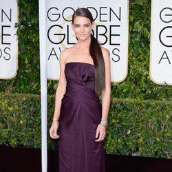 Katie Holmes en la alfombra roja de los Globos de Oro 2015