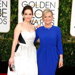 Tina Fey y Amy Poehler en la alfombra roja de la gala de los Globos de oro 2015