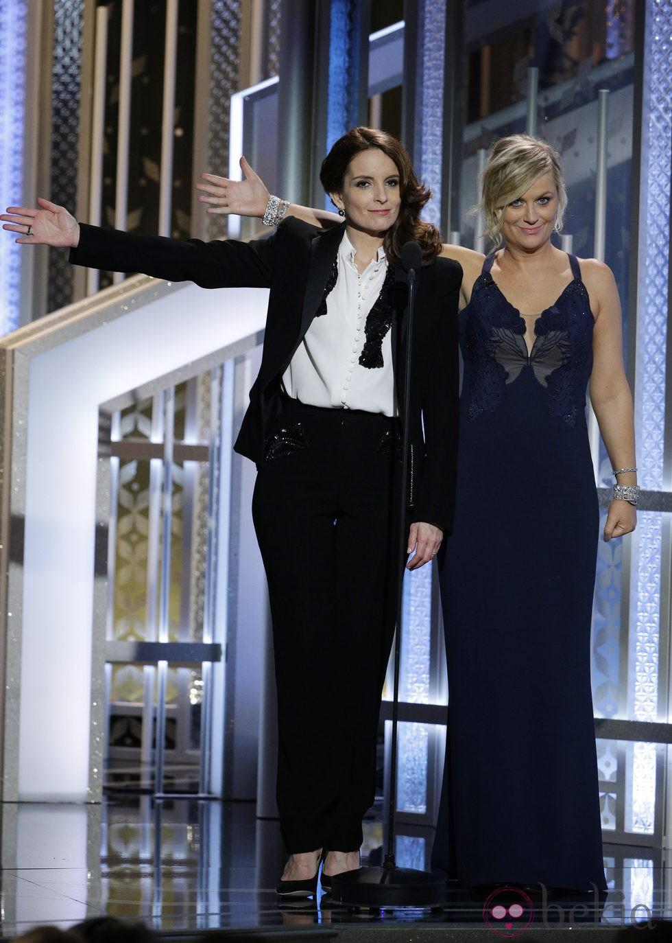 Tina Fey y Amy Poehler durante la entrega de los Globos de Oro 2015