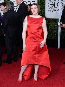 Lena Dunham en la alfombra roja de los Globos de Oro 2015
