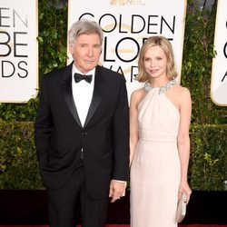 Harrison Ford y Calista Flockhart en la alfombra roja de los Globos de Oro 2015