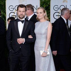 Joshua Jackson y Diane Kruger en la alfombra roja de los Globos de Oro 2015